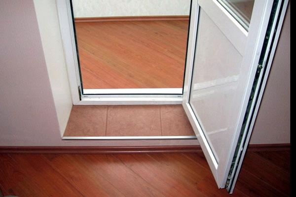Рамный ПВХ порог для двери ПВХ